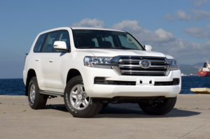 Land Cruiser 200 GX-R Petrol 8 seater