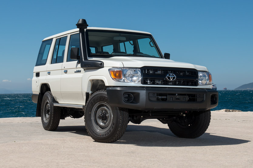 Toyota Landcruiser Hardtop – 10 Seater – LHD/RHD (power windows included)