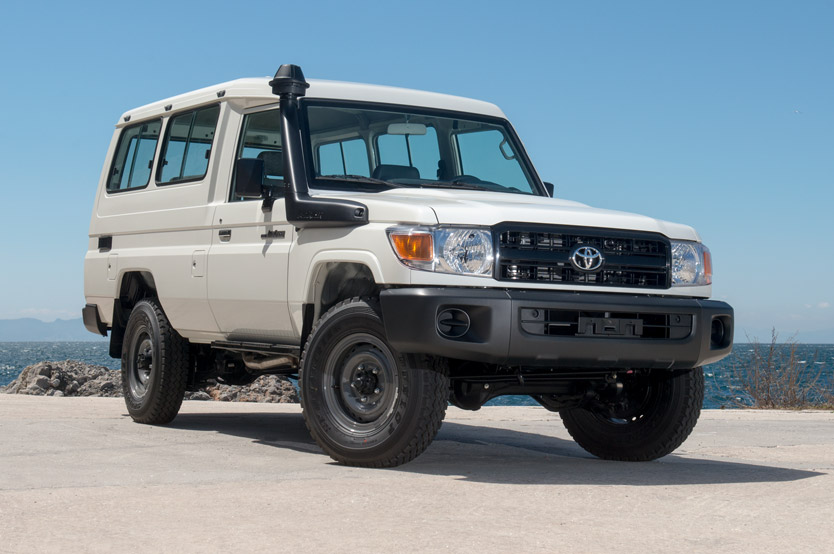 Toyota Landcruiser Hardtop – 13 Seater – LHD/RHD